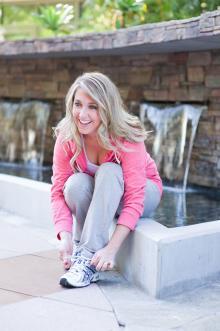 blonde_sneakers_1_220x331